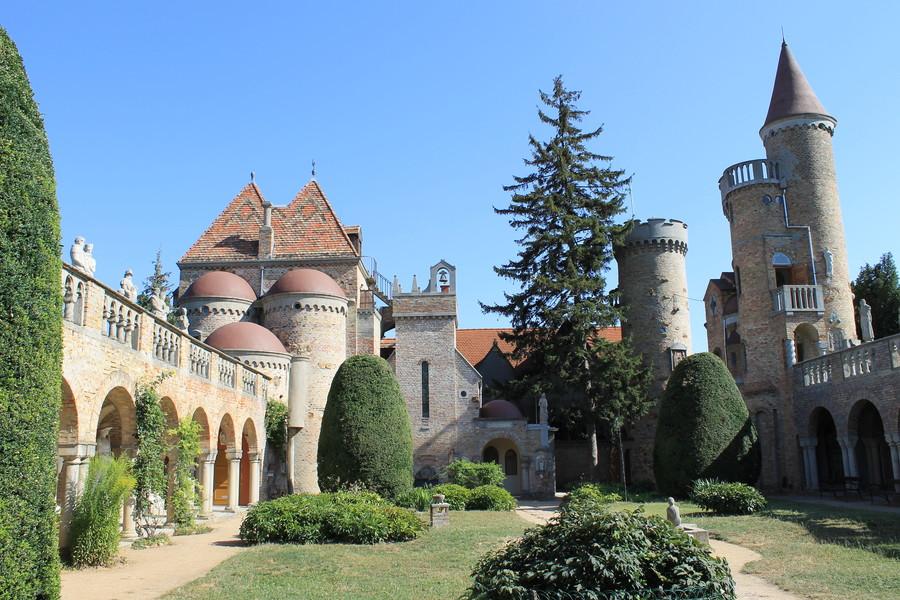 Замок Бори — замок вечной любви