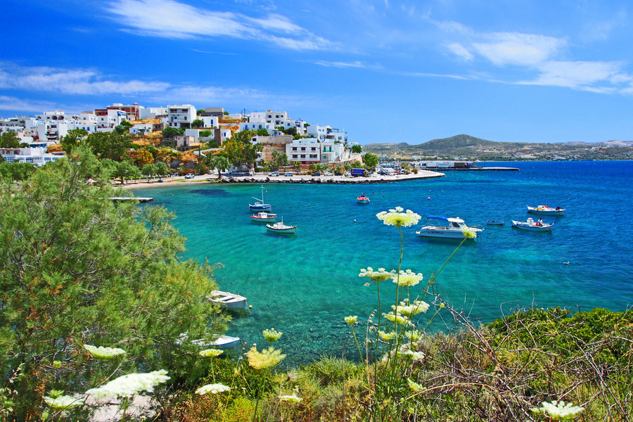 Отдых в Греции. Остров Милос. Адамас и пляж Саракинико