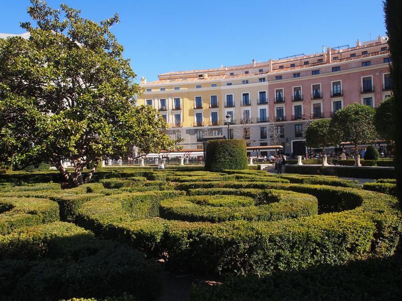 Улицы весеннего Мадрида