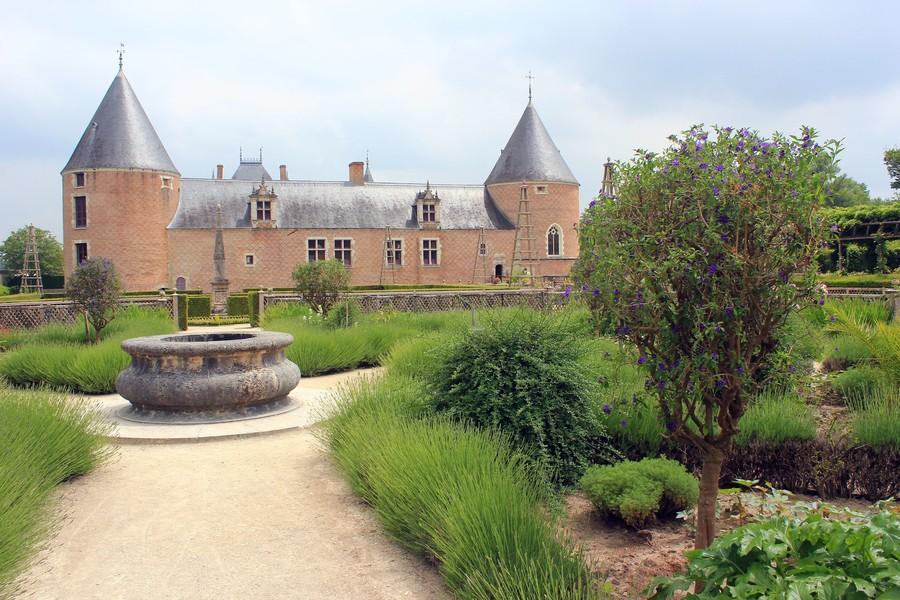 Замок Шамероль