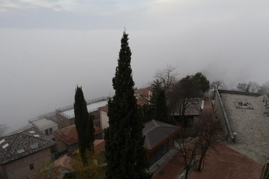 Туман в  Сан-Марино. Декабрь 2014