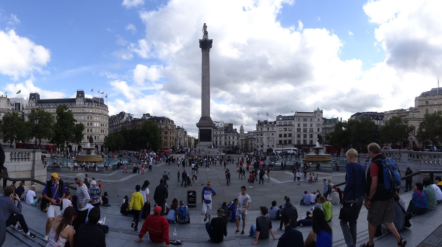 Один из главных символов Лондона - Трафальгарская площадь
