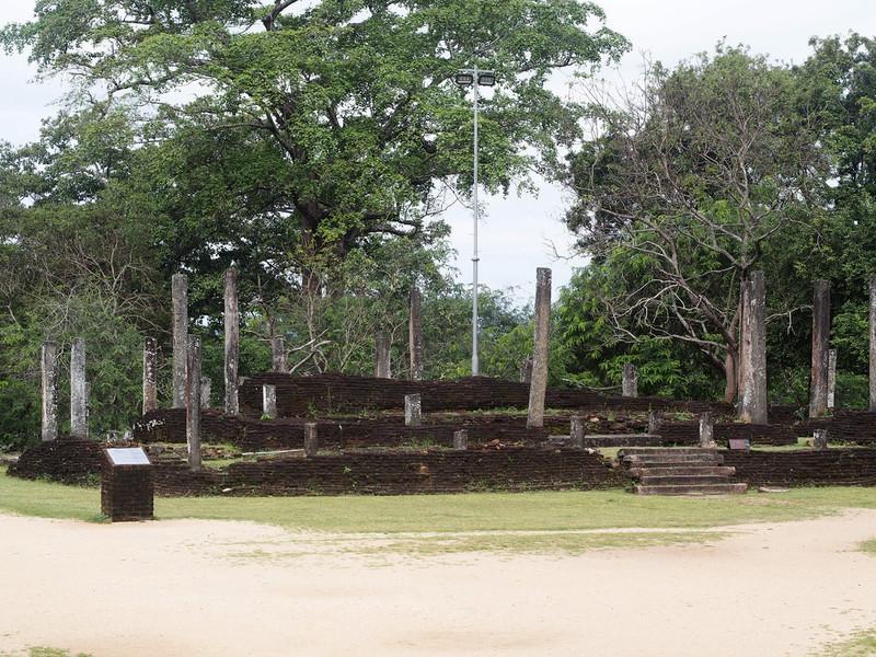 Руины в археологическом парке Полоннарувы