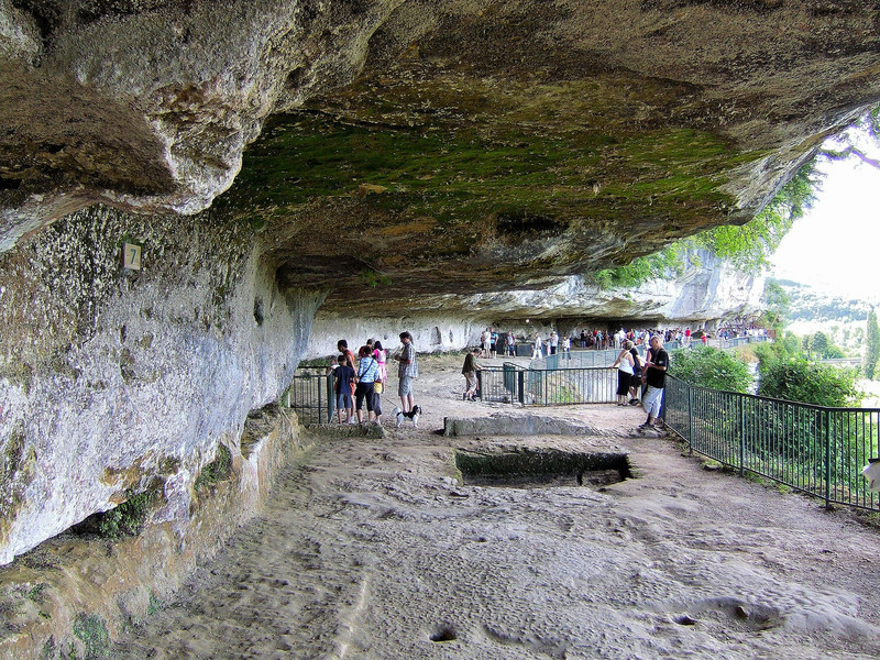 Древний город Ля Рок Сан-Кристоф