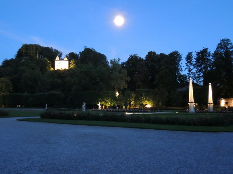 Хелбруннский парк и потешные фонтаны