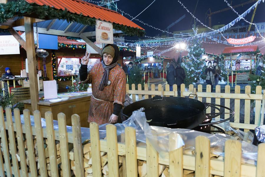 Рождественский рынок на Красной площади в Москве