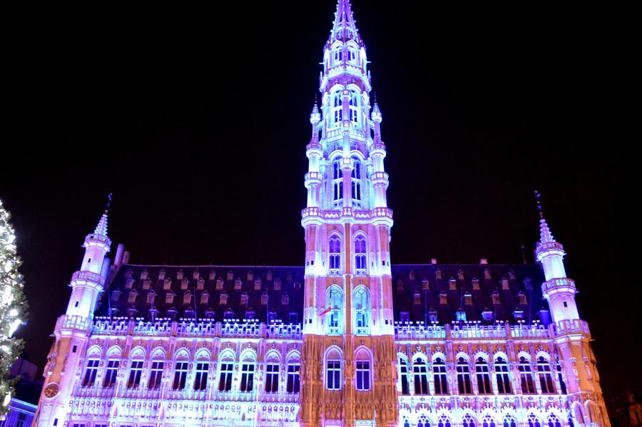Народные гуляния в самом центре Брюсселя