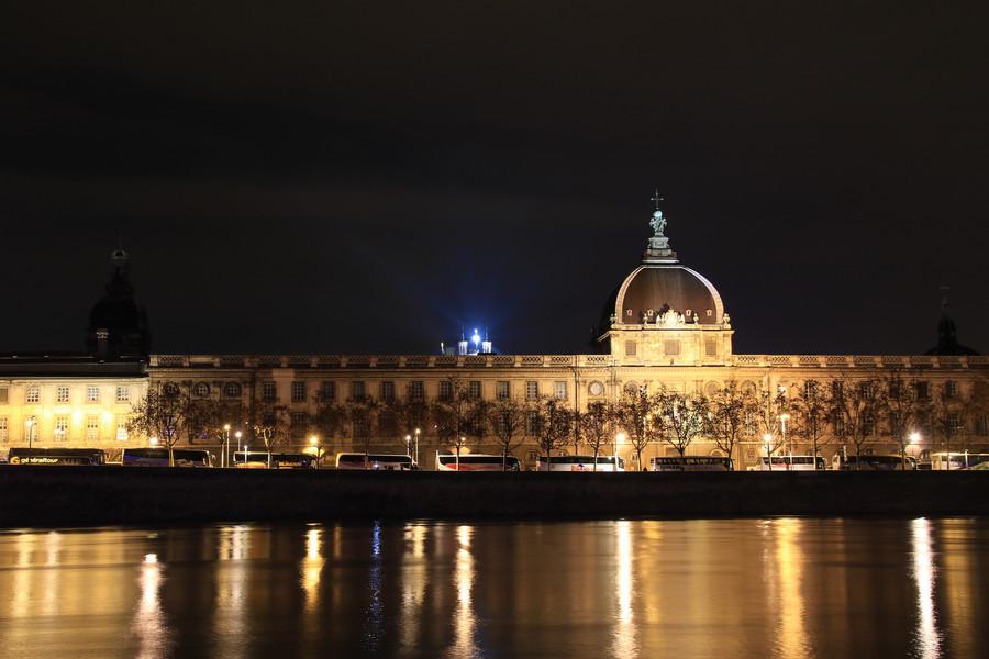 Франция. Фестиваль огней в городе Лион