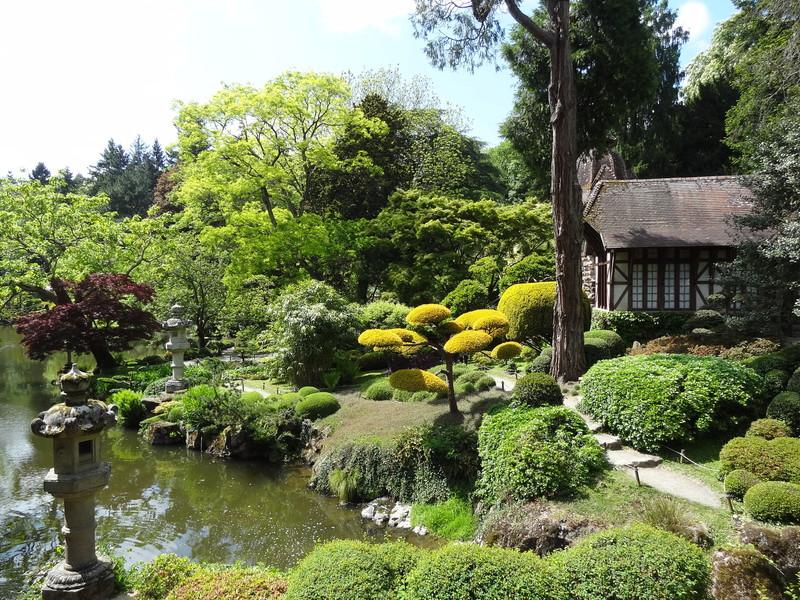 Японский парк Молеврье в Париже