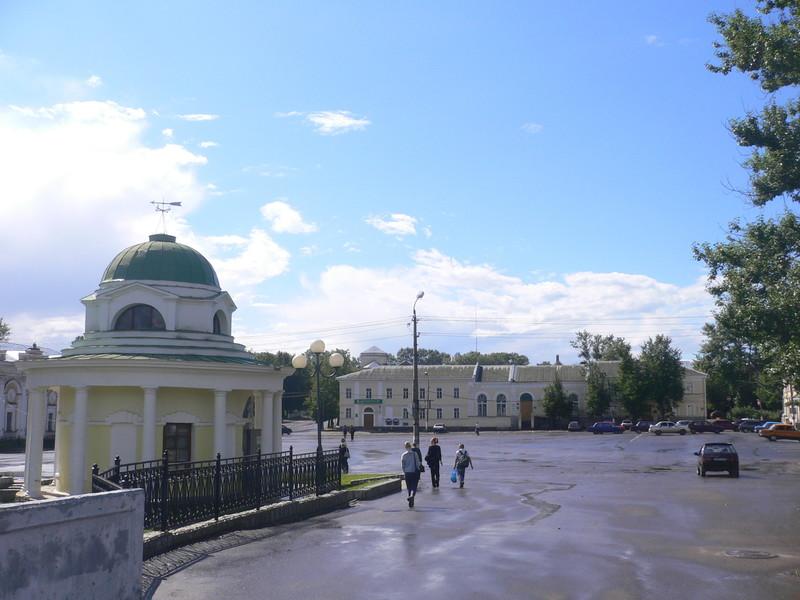 Из Москвы в Питер на авто (лето). Остановка в Торжке