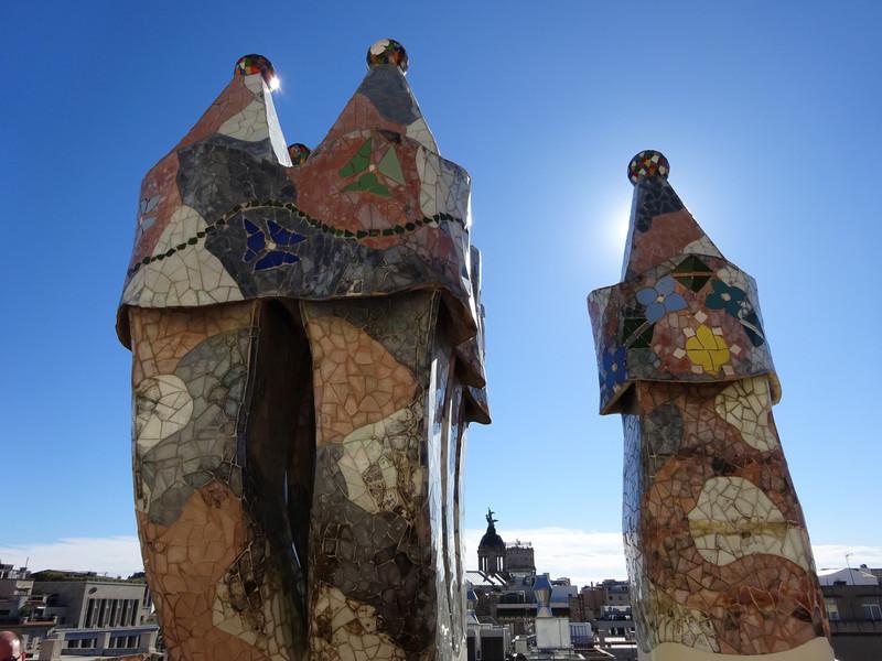Творение Антонио Гауди : Дом Бальо в Барселоне