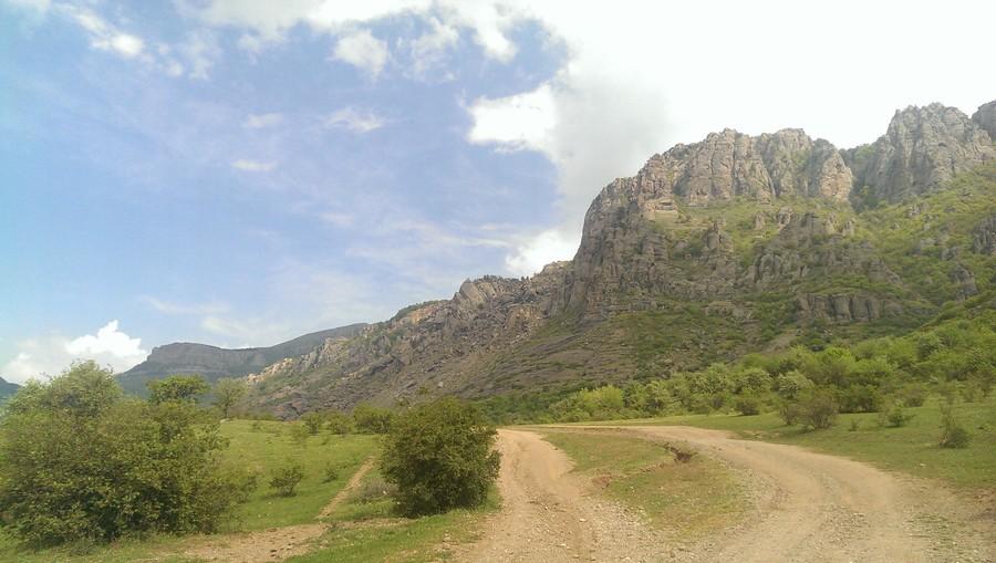 Долина привидений. Гора Демерджи. Крым