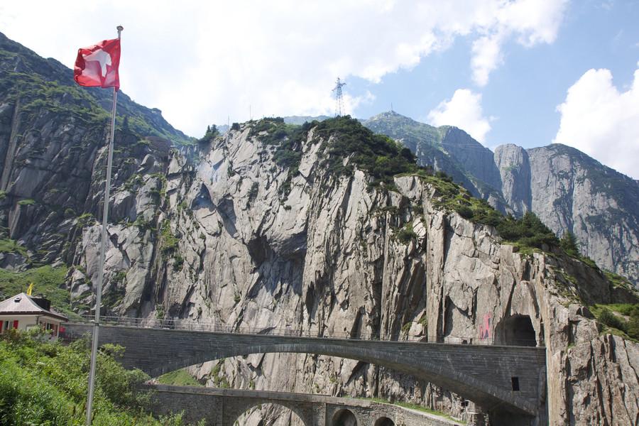"""Тейфельсбрюкке - """"Чертов мост"""", Швейцария"""