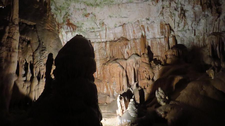 Экскурсия в знаменитую пещеру Постойнска-Яма