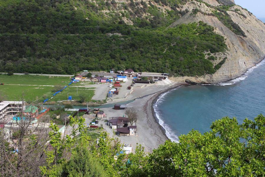 Абрау-Дюрсо - курортный поселок и всемирно известный бренд