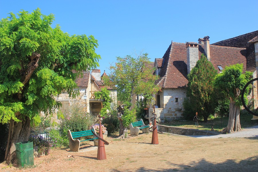 Деревня Кареннак в центре долины Дордони