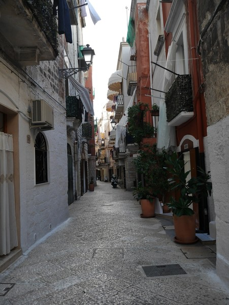 Юг Италии. Последний город, столица региона Апулия - Бари