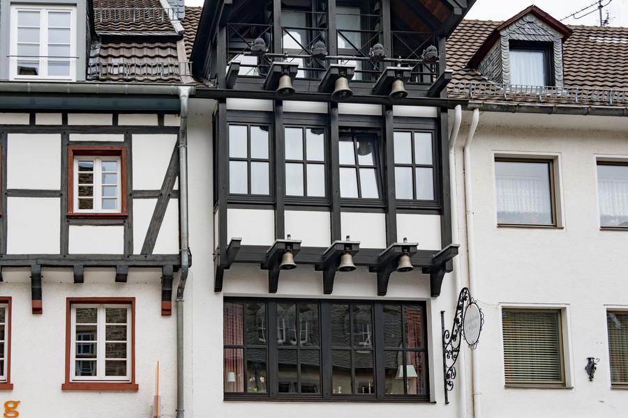 Старинный средневековый Бад Мюнстерайфель