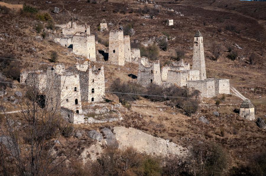 Эгикхал - крупнейший башенный комплекс в горной Ингушетии