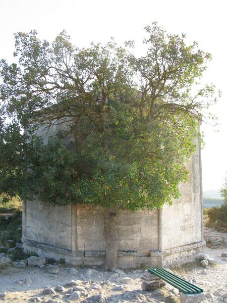 Чуфут-Кале - город-крепость в Крыму