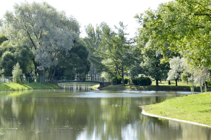 Московский парк Победы в Санкт-Петербурге