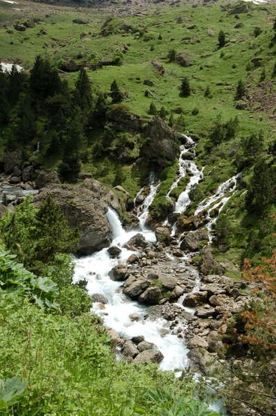 Цирк Гаварни - один из самых известных ледниковых каров Пиренейского горного массива.