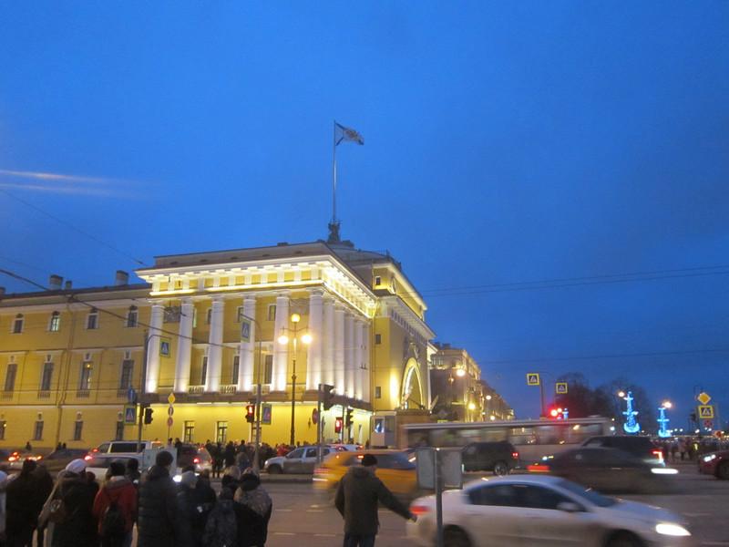 Праздник к нам приходит. Новогодний Санкт-Петербург
