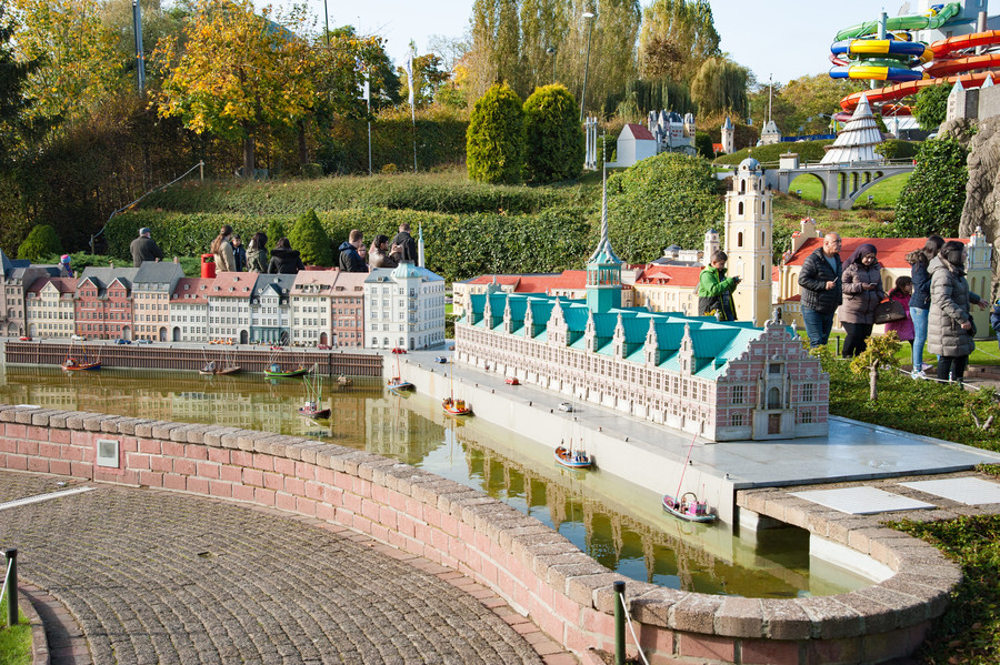 Парк Мини-Европа под открытым небом в Брюсселе