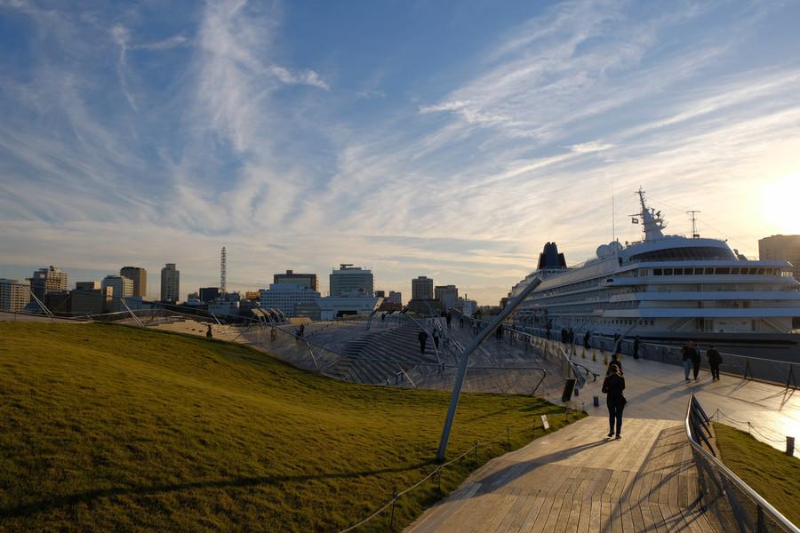 Йокогама - самый большой портовый город Японии