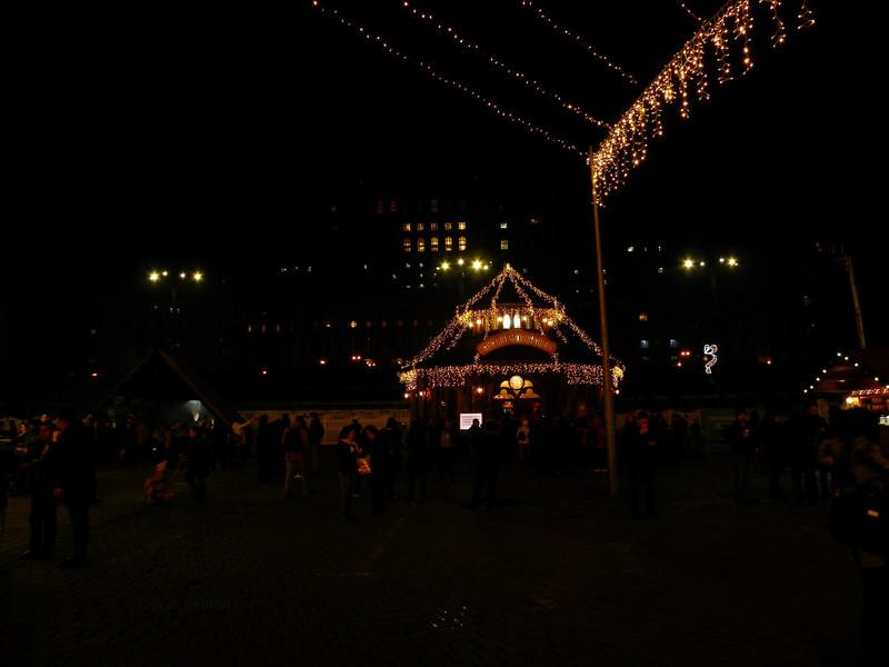 Бухарест. Рождественский рынок. Декабрь