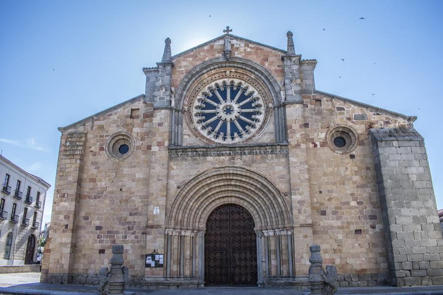 Старинный испанский город Авила, родина святой Терезы Авильской
