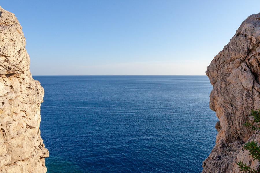 Бухта Энтони Куинн, Родос, Греция