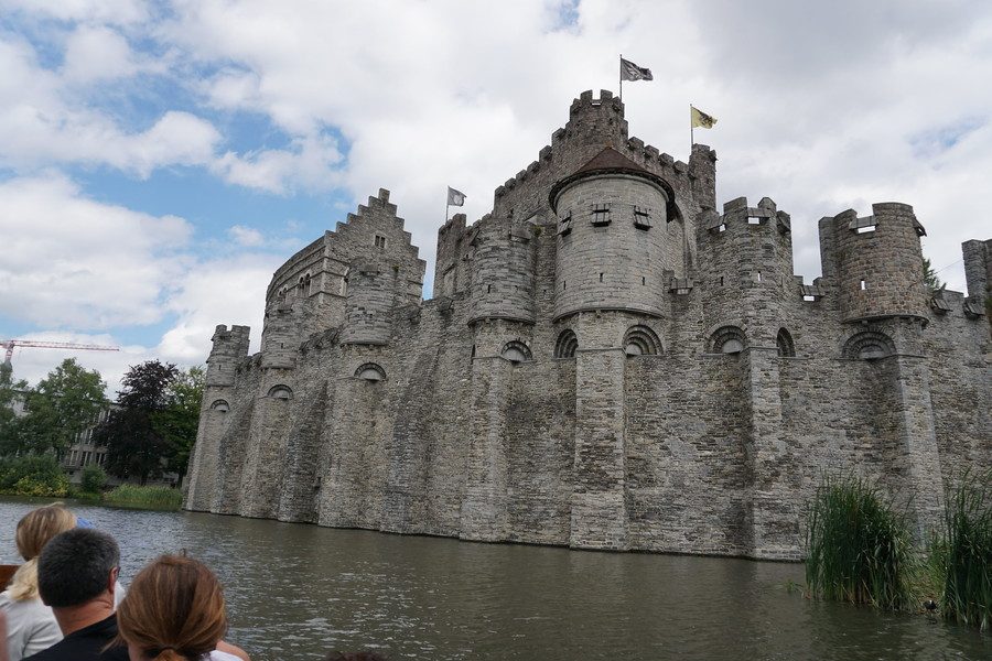 Прогулка по каналу. Гент, Бельгия