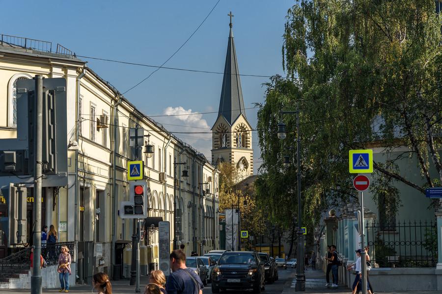 Покровка, Подсосенский и Лялинский переулки