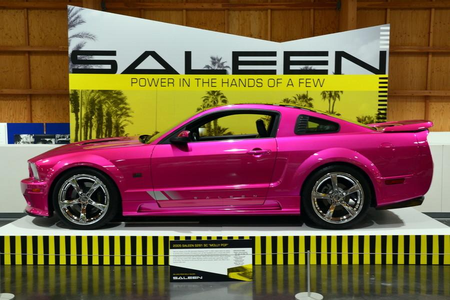 Выставка компании Saleen в Американском музее автомобилей