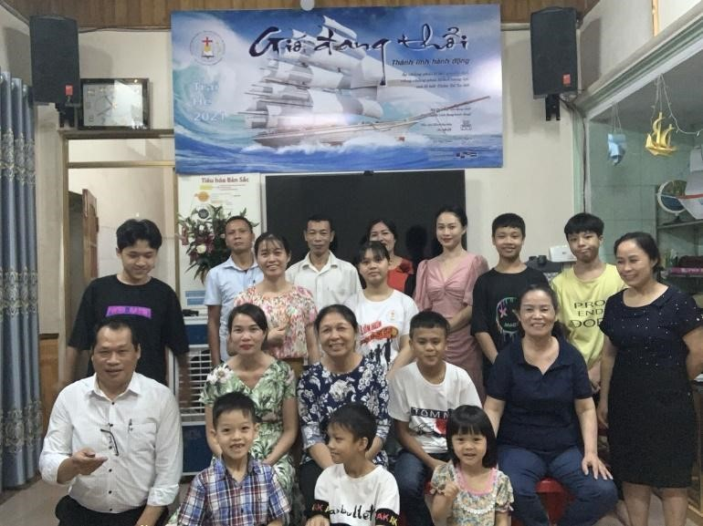 Nhóm Kinh Thánh Yên Bái có 18 người nhóm lại, 2 người bỏ nhóm lâu ngày quay lại thờ phượng CHÚA.