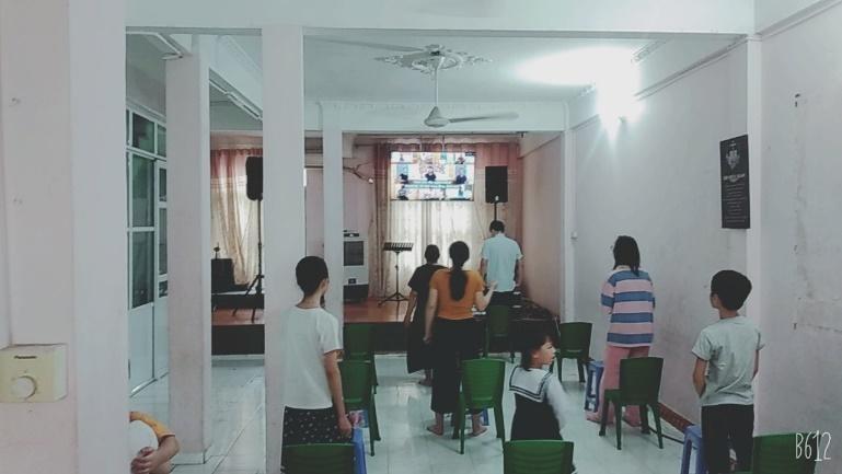 Tại Hội Thánh Thanh Thanh Xuân (83 Nguyễn Quý Đức) có 11 người nhóm lại.