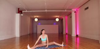 10-Minute-Gooey-Hip-and-Back-Yoga-Flow-to-Chill-Out