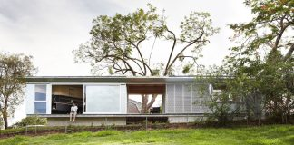 Take-a-video-tour-of-A-CH39s-tiny-Keperra-House-in-Australia