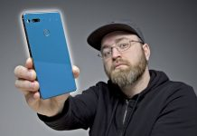 The-Essential-Phone-Is-Back